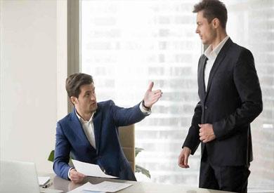 Photo of المشاعر المزيفة في مكان العمل تضر أكثر مما تنفع