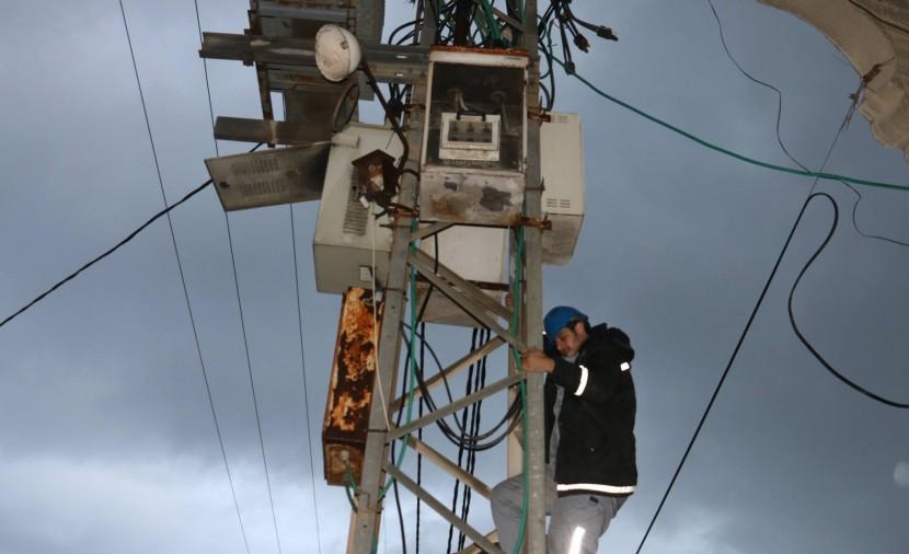 Photo of جدول الكهرباء في غزة خلال المنخفض الجوي