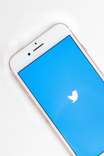 "Photo of تويتر""القبعة الزرقاء""  فماذا تعني القبعة الزرقاء؟!"