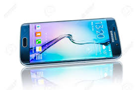 Photo of فاجأت سامسونج الجميع بإصدار تحديث جديد لكل من Galaxy S6 و Galaxy Note 5